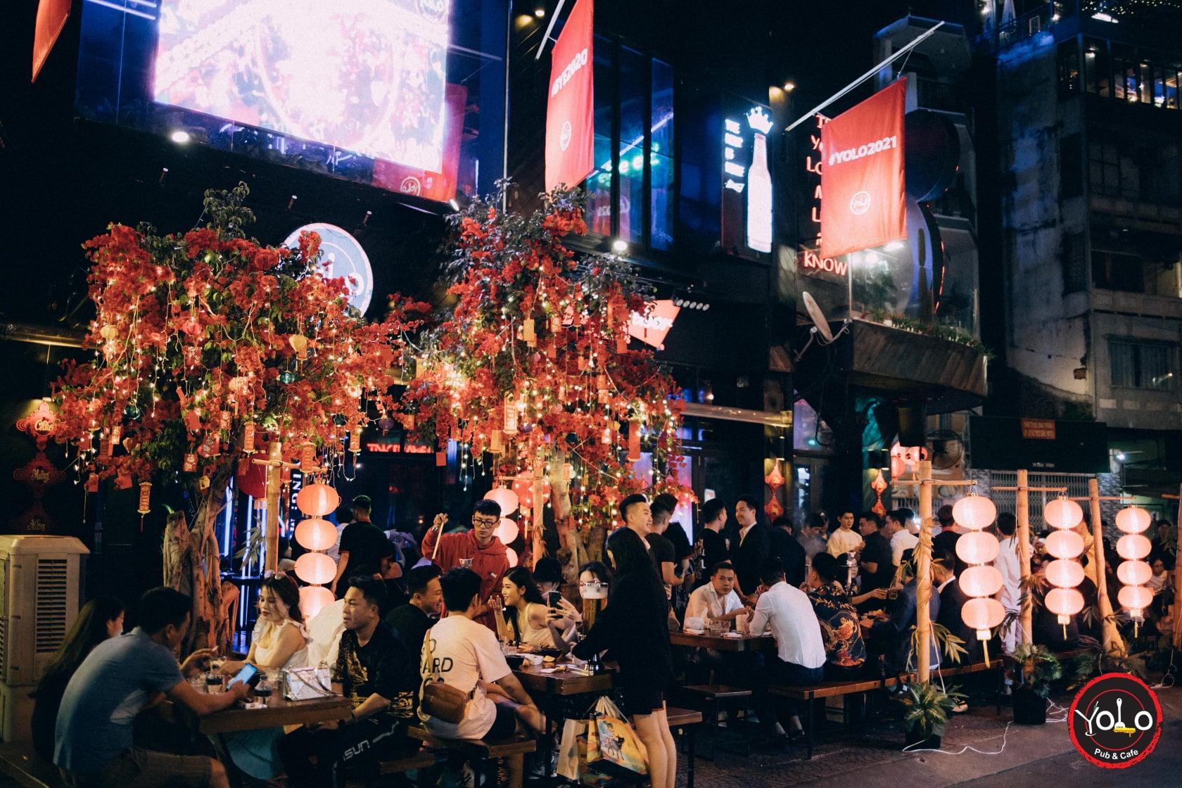 yolo saigon night